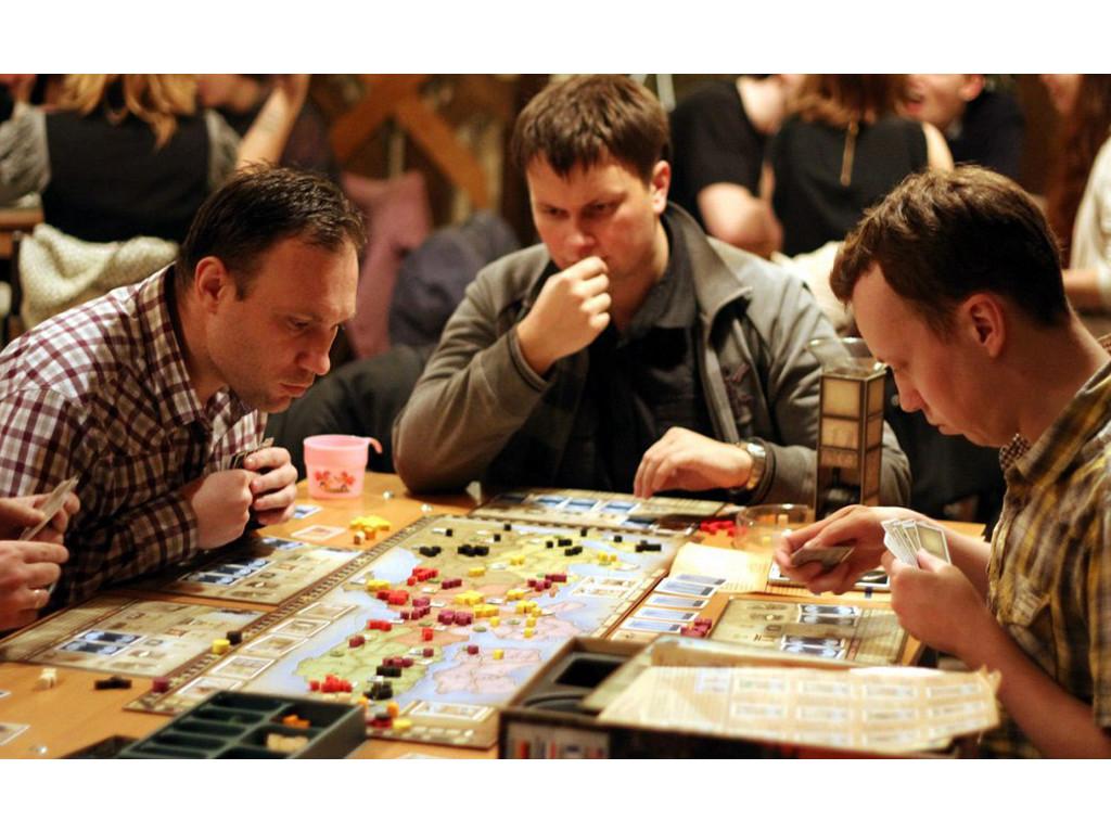 Настольные игры покупайте в магазинах Мосигра